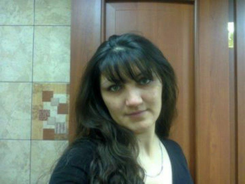 некоторых знакомство через интернет украина крым правит