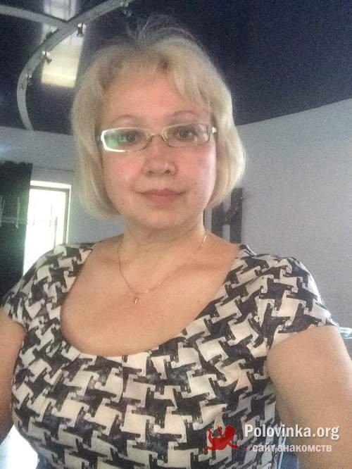 Знакомствос женщиой за 50 ленинградская область